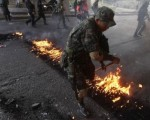 Honduras army moves in