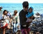 Greece: Migrant camps