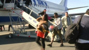 Cuba migrants flown from Costa Rica to Mexico-US border