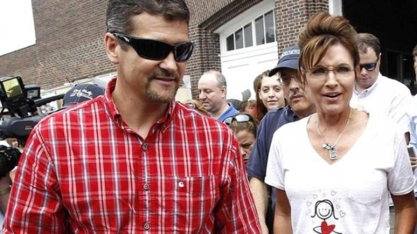 Sarah Palin's husband 'files for divorce'