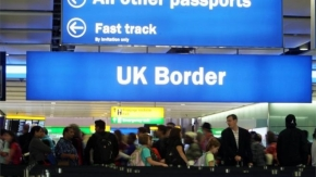 Brexit: There will be no automatic deportation for EU citizens - No 10